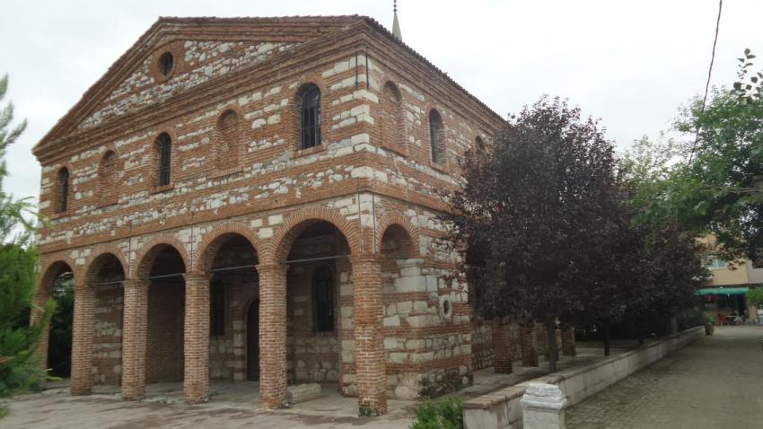 özlüce church